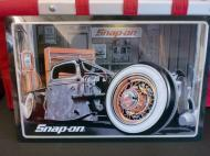 snap-on(スナップオン) メタルサイン 【Rat Truck】