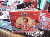 コカコーラ ボトルハンドルTINケース 【There's nothing like a coke】
