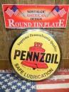ラウンド ティン プレート/缶バッジ のような看板★立て.壁掛け両方可能【PENNZ OIL】